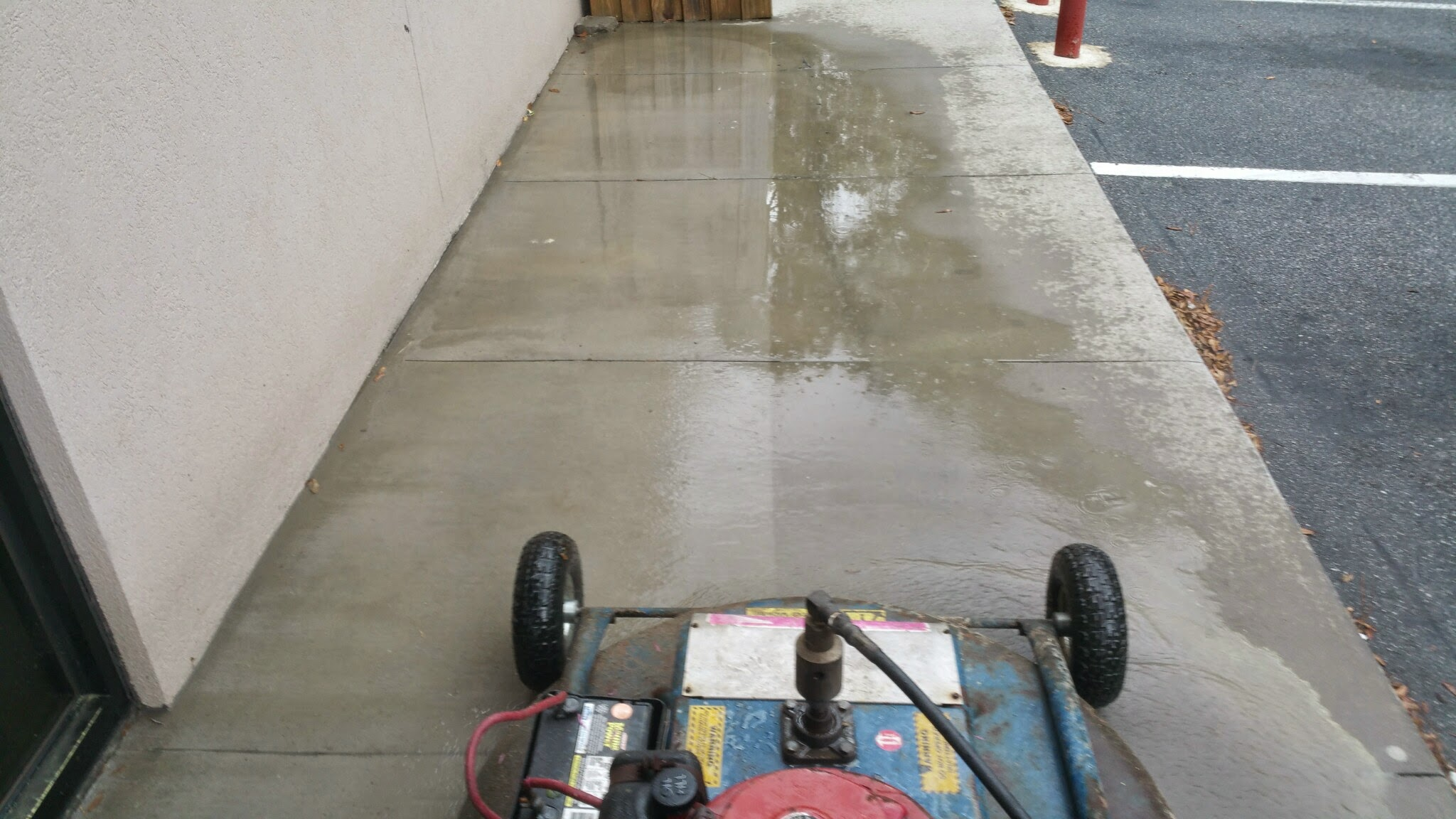 Pressure washing services savannah ga savannah 39 s for Industrial concrete cleaner